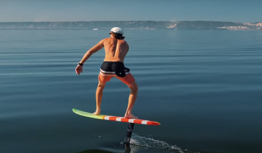 How does a Foil Surfboard work